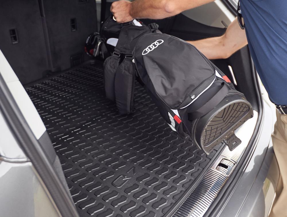Q7 rubber floor mats - Cargo Mats